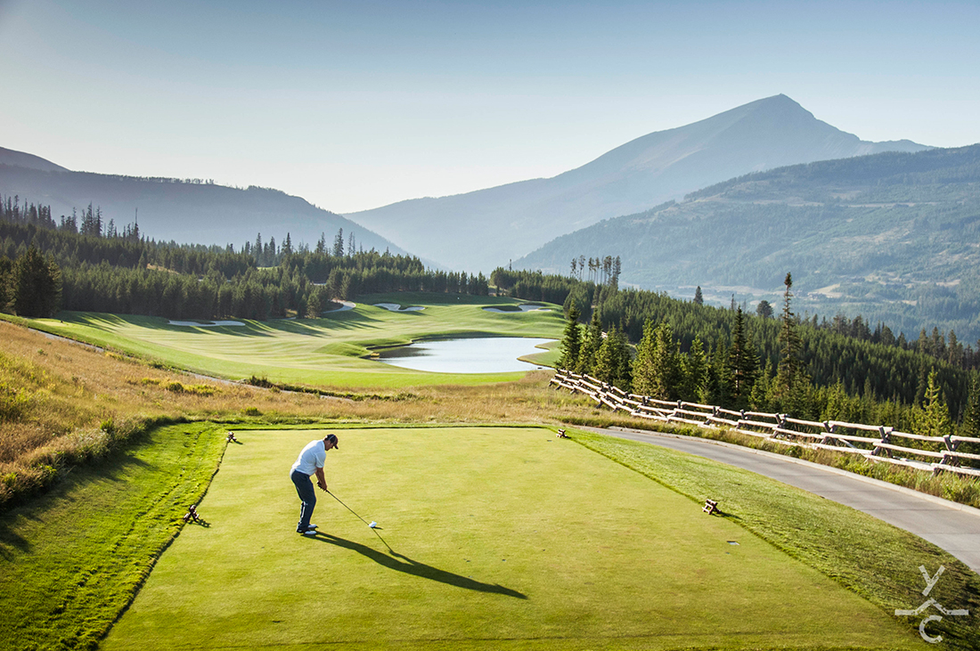 Tee off in a quiet mountain setting.