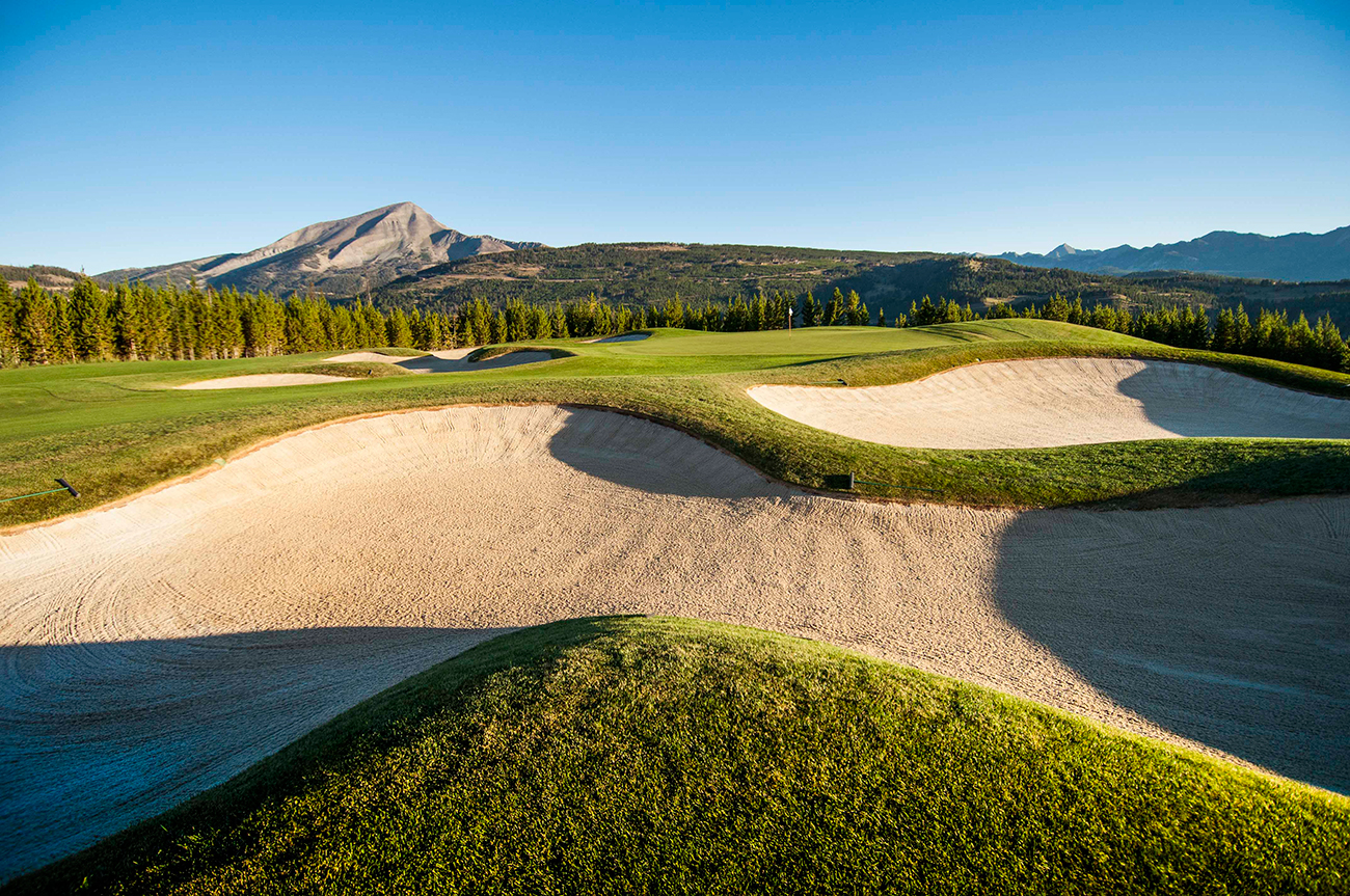 Our private championship-caliber golf course features unflinching beauty.