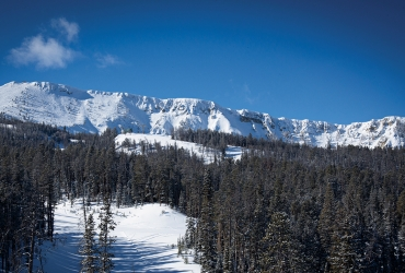 Yellowstone Club boasts ski runs that tie directly into Big Sky Resort.